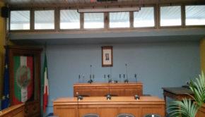 Colleferro, regolamenti e mozioni approvate in Consiglio Comunale: sui social invece si parla di buche e acqua