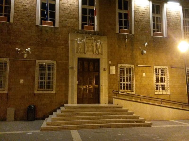 Pomezia, aperti i concorsi per l'assunzione a tempo indeterminato di 10 insegnanti delle scuole dell'infanzia e 9 agenti di Polizia Locale
