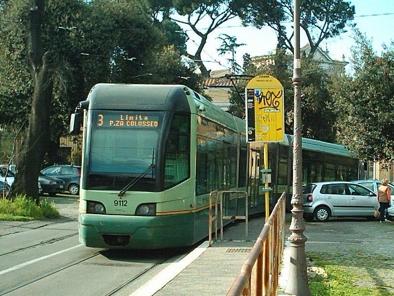 roma donne incinte furto portafoglio tram