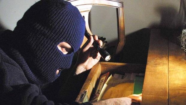 primavalle ladri appartamento kit per rubare