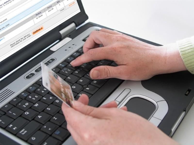 Truffate online due persone di Ceccano e Frosinone. Hanno pagato in anticipo per oggetti che non hanno mai ricevuto