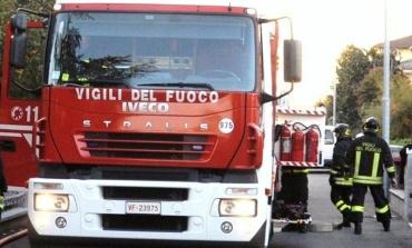 Paliano, incendio vicino la discarica: chiusa la strada dall'IPIA fino a Colle Rampo