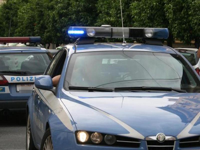 Marino, armato di coltello rapina un bar in pieno centro: 43enne fermato dalla Polizia