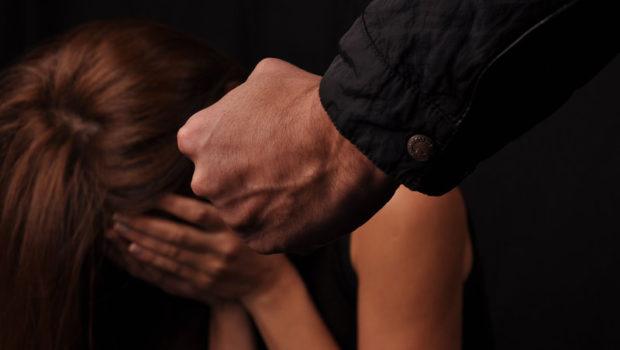 Cassino, dopo un anno di violenza trova il coraggio di denunciare il marito aguzzino: arrestato 22enne