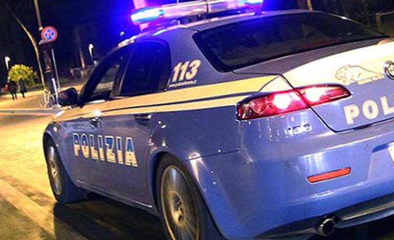 Monteverde, donna ubriaca danneggia le auto in via Filippo Chiappini: arrestata 33enne