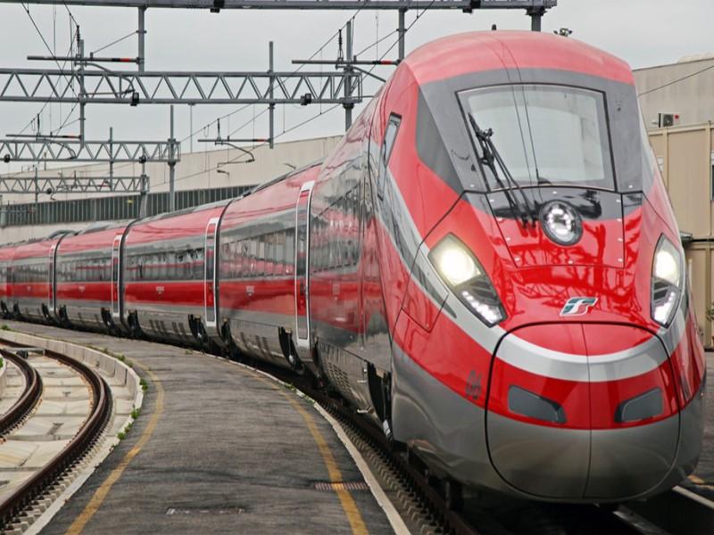 treni av roma napoli anagni labico ritardi
