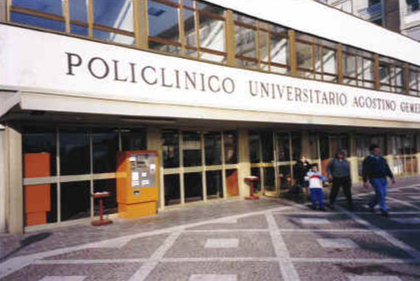 Roma, 54enne ruba il portafogli a una anziana paziente del Policlinico Gemelli