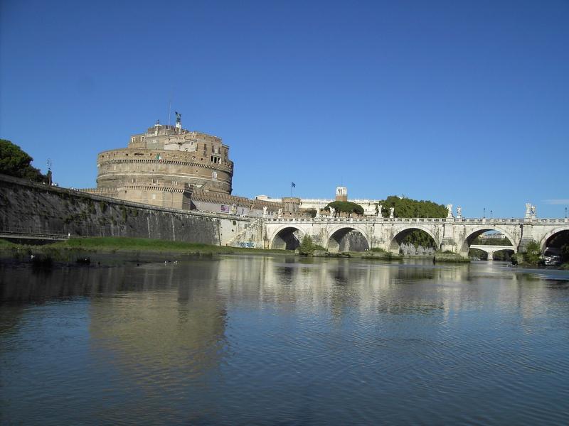 Roma, moria di pesci in vari tratti del fiume Tevere: Asl RM 1 e Arpa Lazio eseguono le analisi