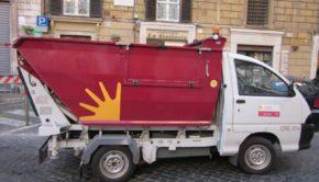 """A Natale """"Le strade del riciclo portano a Roma"""": potenziata la raccolta degli imballaggi in cartone per oltre 220 vie del centro"""