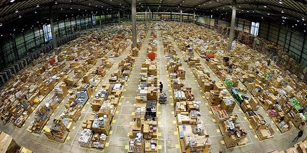 centro smistamento Amazon Magliana 10 operatori di magazzino