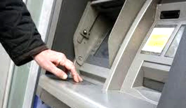 Arrestata banda specializzata in bancomat