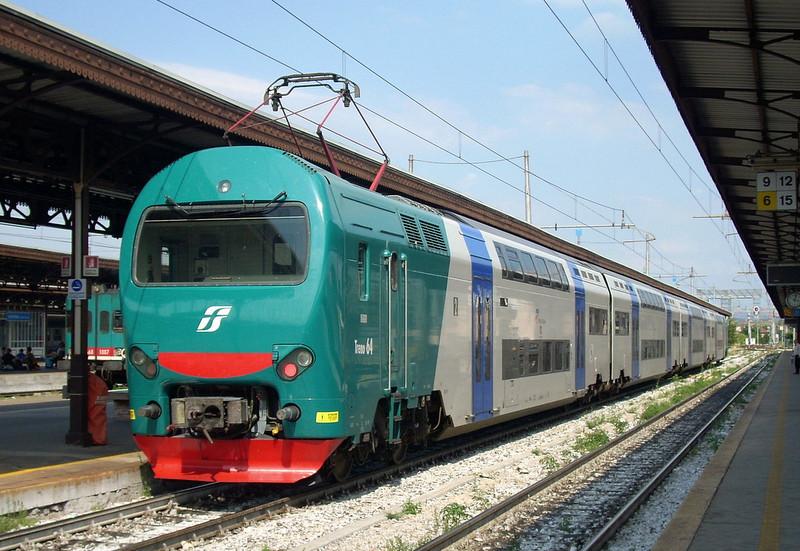 ostiense tuscolana tamponamento treno mezzo manutenzione