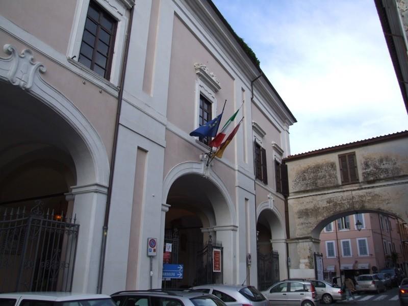 Albano Laziale, sanificate le strutture scolastiche entro il 15 marzo