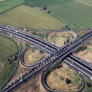 G.R.A., traffico congestionato: 3 km di code da Tor Cervara al bivio per la Tangenziale
