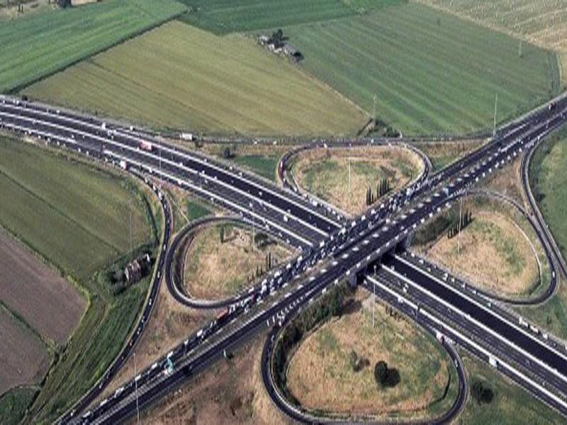Grande Raccordo Anulare, code per veicolo in panne: rallentamenti tra Casilina e Tuscolana