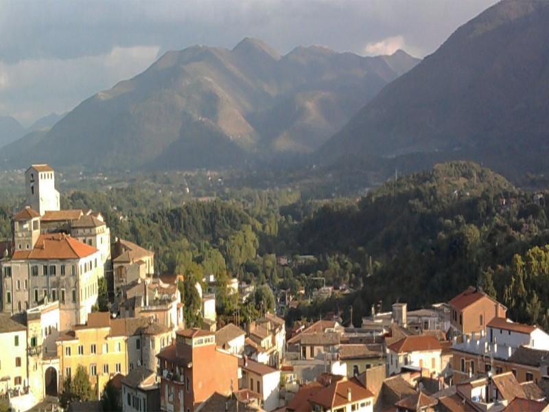 Beni storico-architettonici a rischio nel Lazio: quali sono e come segnalare quelli in pericolo