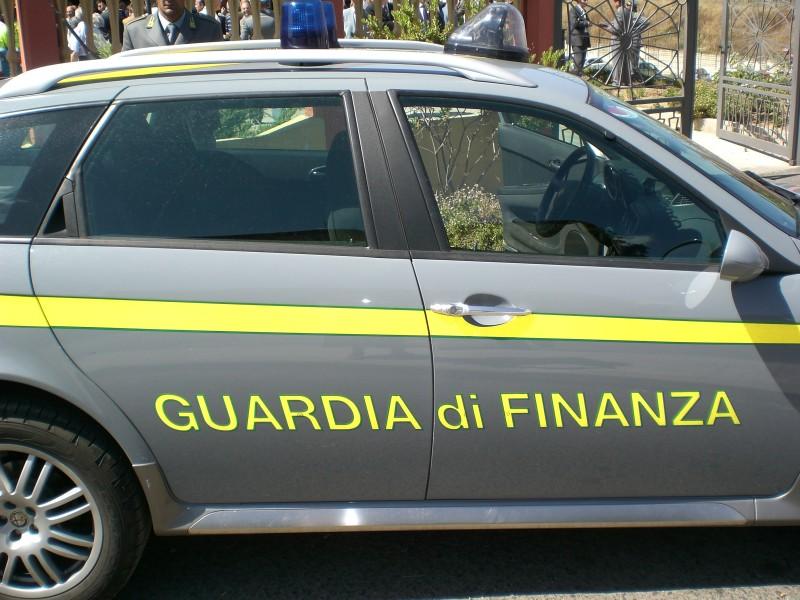 Tor Cervara Borghesiana sequestrate 300mila paia Converse