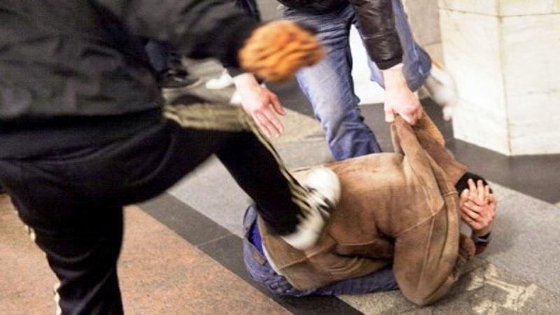 Roma, Esquilino. Provano a rapinarlo dello smartphone, ma l'aggredito scappa e denuncia l'accaduto: ladro 17enne arrestato