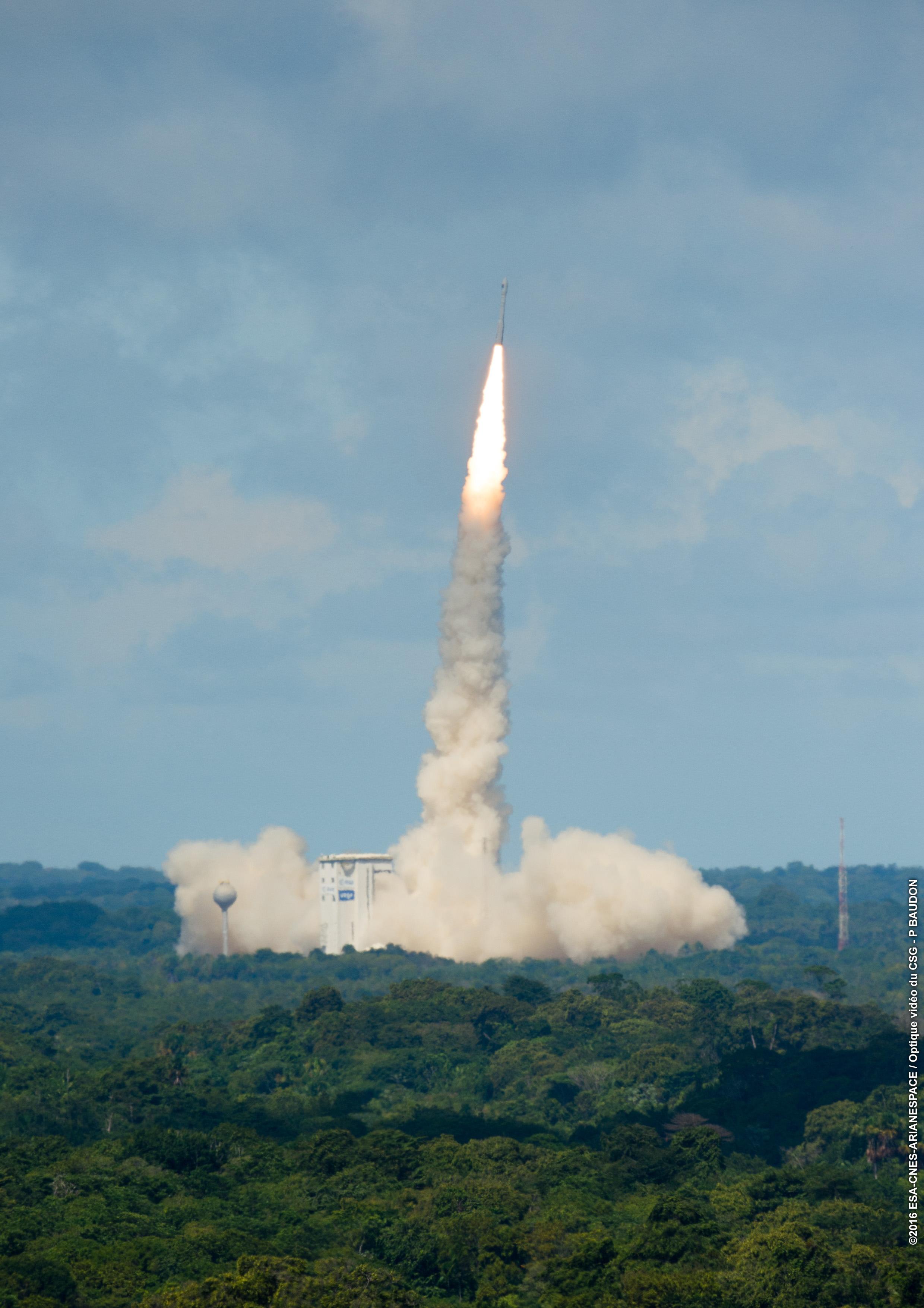 Vega, lancio rinviato al 21 giugno per condizioni meteo avverse