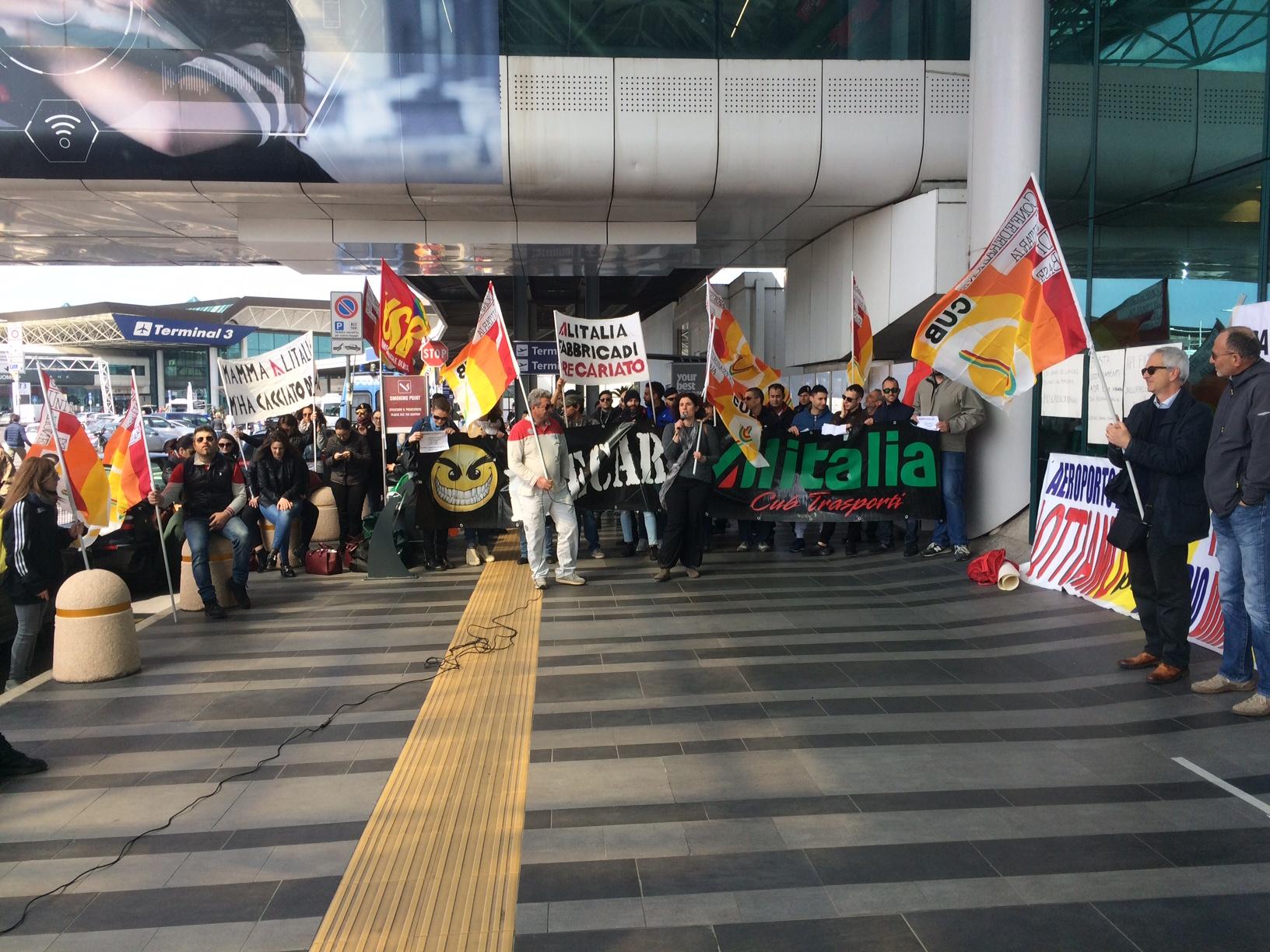 Roma, 25 ottobre sciopero 24 ore USB di Alitalia: giornata nera anche per il trasporto aereo