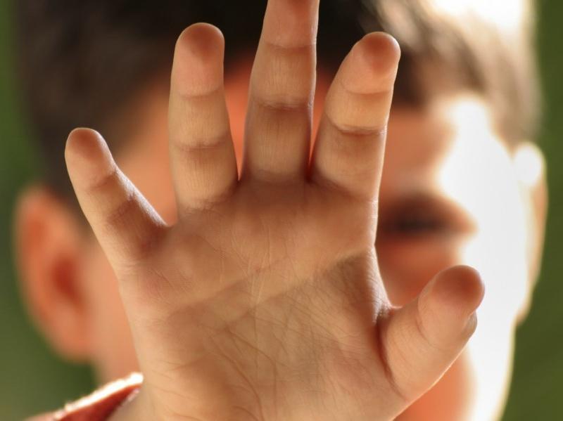 roma bidello abusava bambini