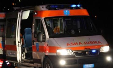 Anagni, grave incidente sulla Casilina: donna rimasta incastrata tra le lamiere mentre andava a un matrimonio