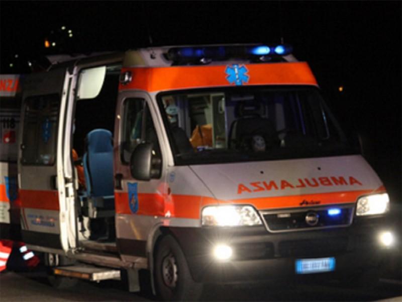 Tragedia a Trastevere: ragazzo ingerisce potente veleno per suicidarsi, cambia idea ma ormai è troppo tardi: inutili i tentativi di soccorso