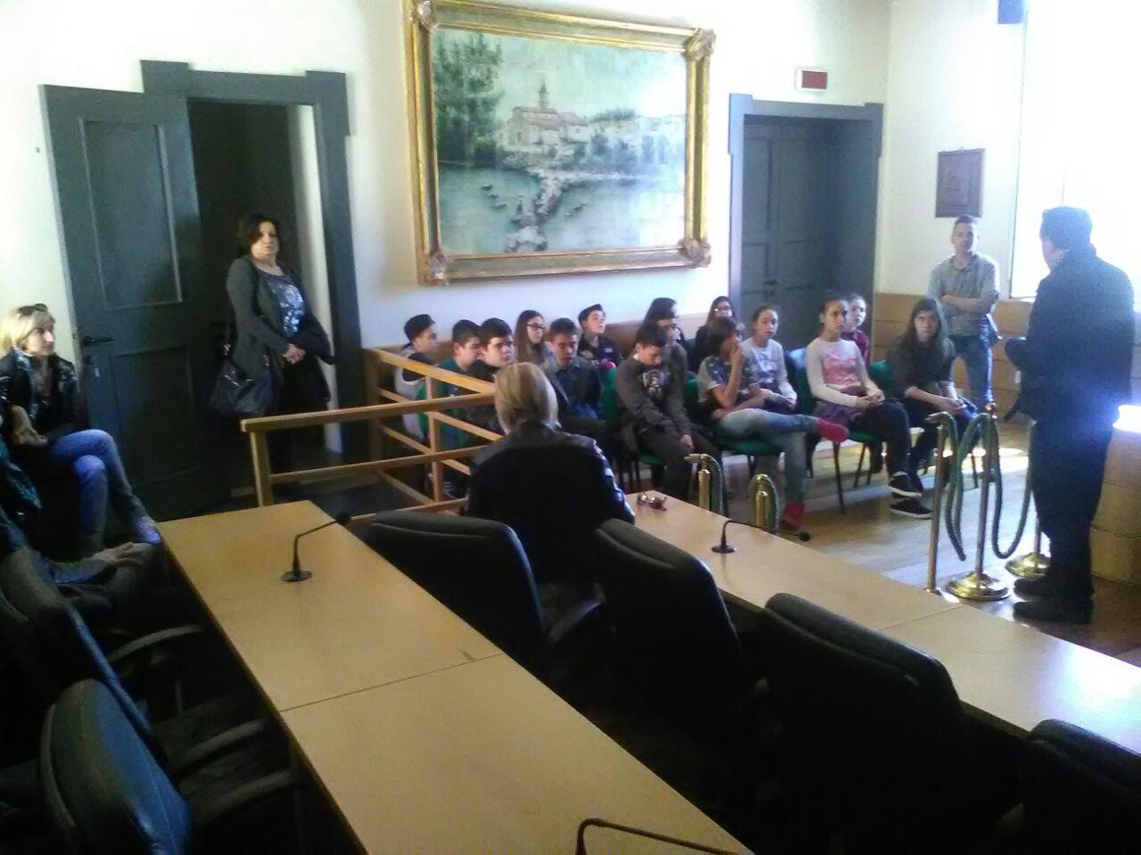 Ceccano, visita in Comune degli studenti medi del Primo Circolo