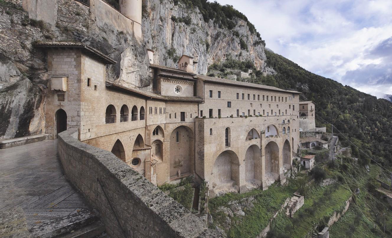 Subiaco, frana ai piedi del monastero di Santa Scolastica, c'erano stati già dei campanelli d'allarme