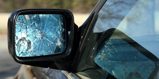 Colle Oppio, spacca gli specchietti di sei auto parcheggiate in strada