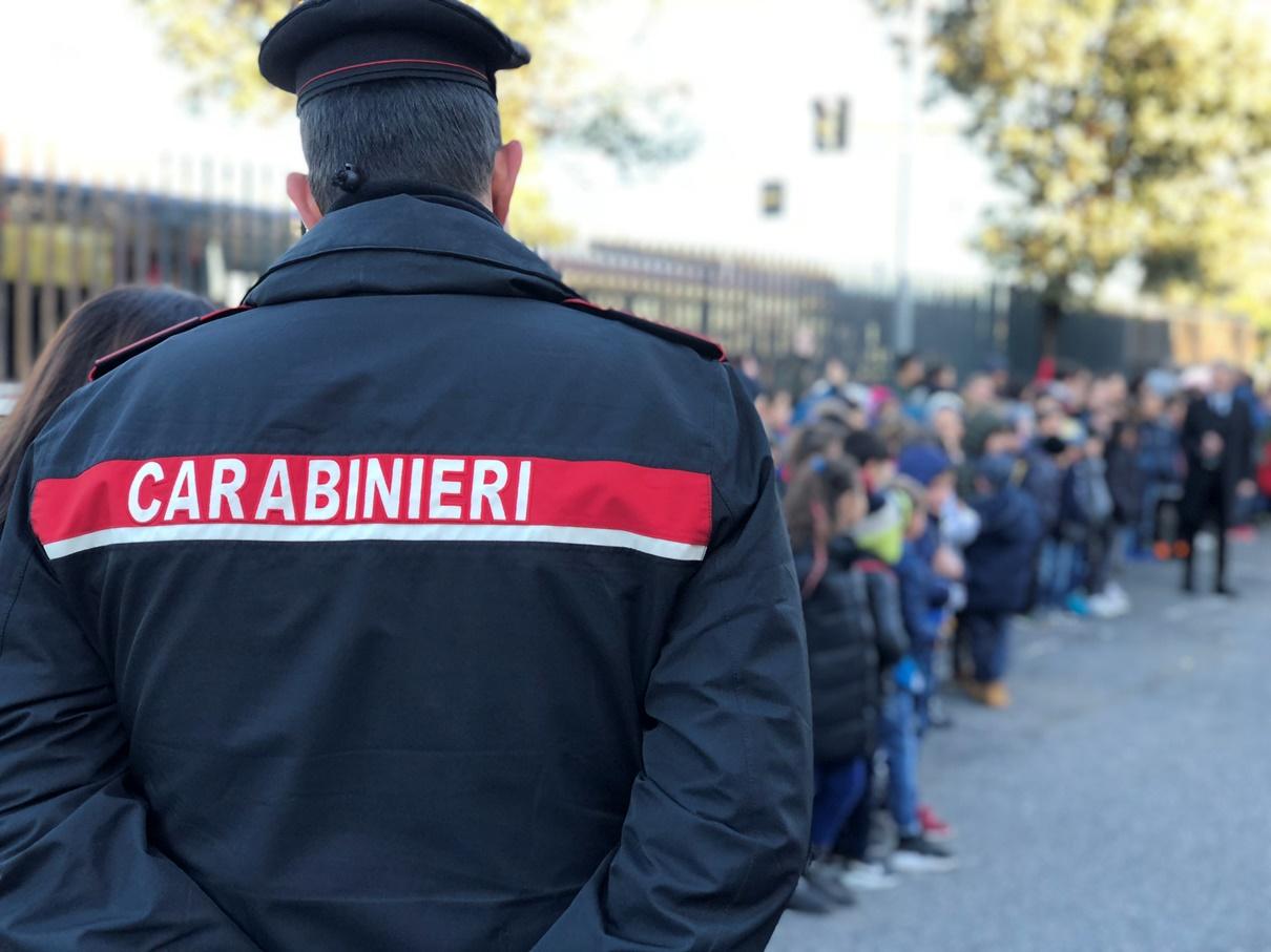 """Ostia, 150 bambini della scuola """"Via Giuliano da Sangallo"""" a lezione dai carabinieri per imparare la """"cultura della legalità"""" (FOTO)"""