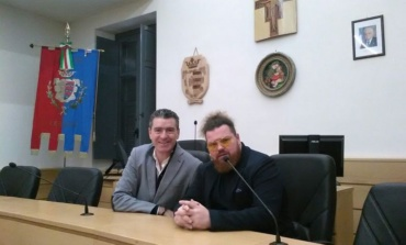 Ceccano, Daniele De Alescandris è l'acconciatore ufficiale della Nazionale Italiana Cantanti