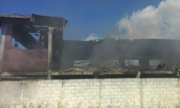 Incendio alla Eco X di Pomezia, revocato l'obbligo di allontanamento dei residenti entro i 100 metri dal sito