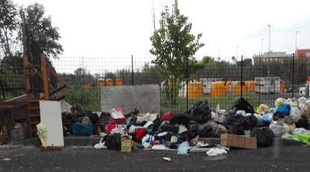 Tivoli Terme, chiusa piazzola di via Orazio: usata indebitamente come deposito rifiuti