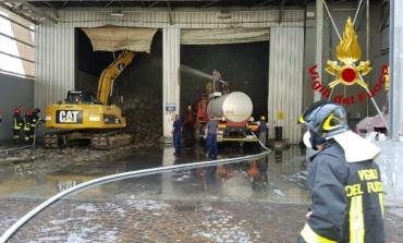Ponte Galeria. Incendio in deposito di rifiuti a via di Malagrotta: vigili sul posto