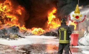 Ardea, Incendio EcoX, stop a raccolta ortaggi e pascoli in area 5 km