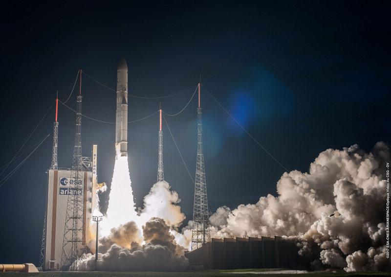 Arianespace lancerà tre satelliti verso l'orbita geostazionaria il 28 luglio