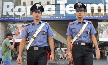 Roma, Carabinieri arrestano la banda di finti poliziotti che rapinava i turisti