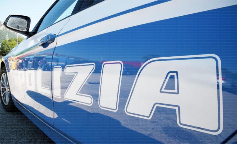 Roma, Eur, aggrediscono il proprietario che li sorprende mentre forzano la serratura della sua auto