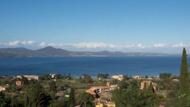 Lago di Bracciano, denunciati 17 titolari di locali e stabilimenti balneari