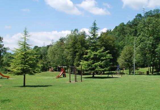 L'estate e l'importanza dei parchi pubblici per i bambini: alcuni benefici