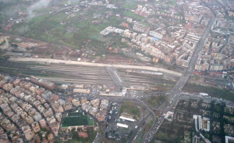 Roma, rimosse le baracche dei senzatetto: al via operazione anti-degrado alla stazione Tiburtina