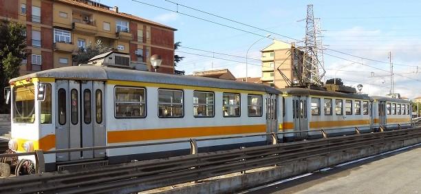 """Treno Termini-Centocelli: pendolari rimasti a piedi e macchinisti non presenti sul """"trenino della Casilina"""". Atac predispone i controlli"""