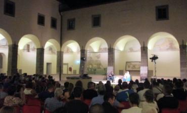 """Io vivo nell'ombra: sold out per il finale di """"Velletri Libris"""" con il Comandante Alfa"""