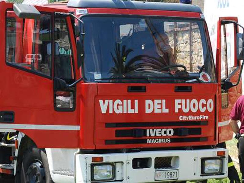 Gra code casilina prenestina veicolo fiamme 2 dicembre 2019