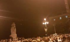 Anagni, due ore di spettacolo e intrattenimento con Roberto Vecchioni: piazza Cavour in delirio