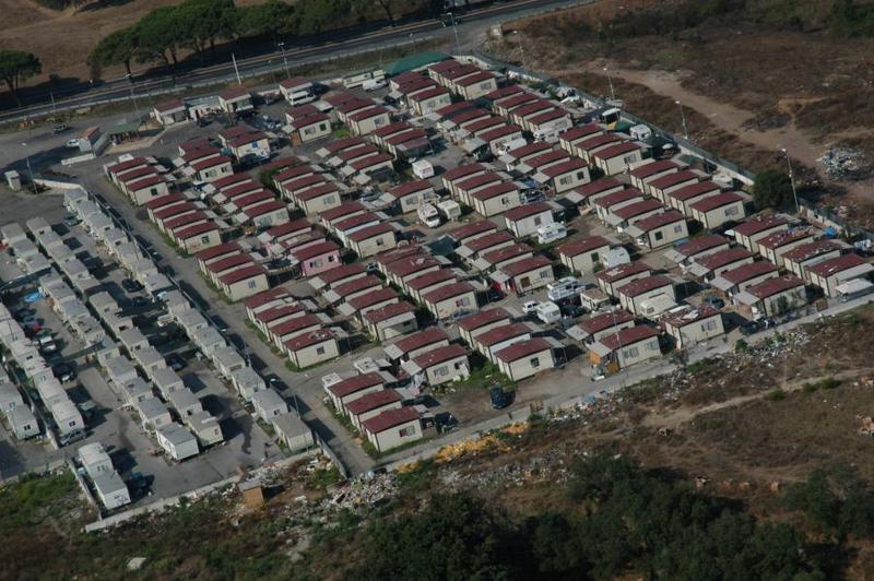 Controlli Campo nomadi Castel Romano: denunce per possesso d'armi e multe per 18mila euro