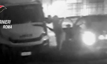 Terrorizzò i residenti di Roma Sud: arrestato piromane che in estate ha dato fuoco a oltre 100 auto