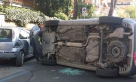 Ciampino, incidente in Viale di Marino: la strada è chiusa al traffico (FOTO)