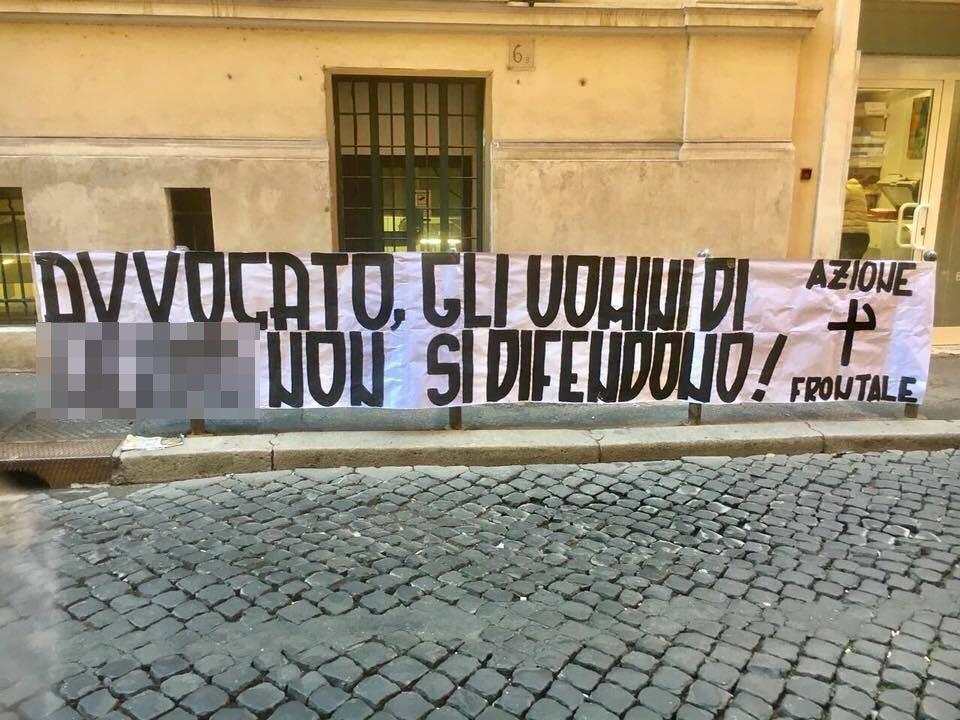 Blitz di Azione Frontale sotto la sede dell'avvocato degli stupratori di Roma